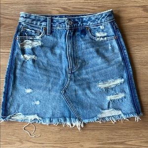 Abercrombie & Fitch ripped Jean skirt size 0